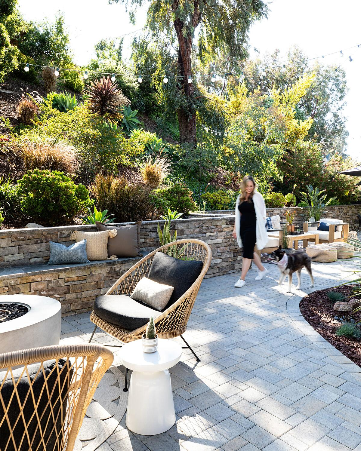 Cardiff Makeover / Side Yard 01