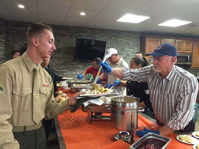 USO Thanksgiving for the Military