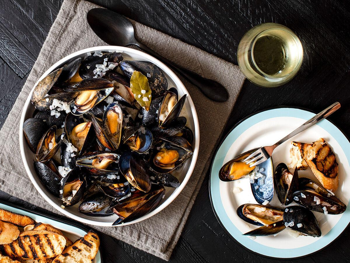 Fall Recipes / Whisknladle's Mussels