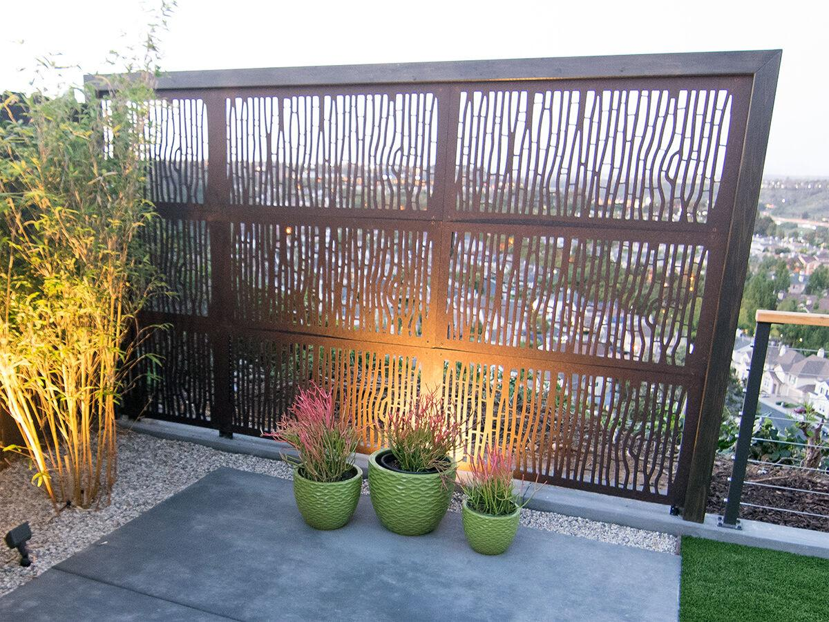 Outdoor Space / Panel Wall