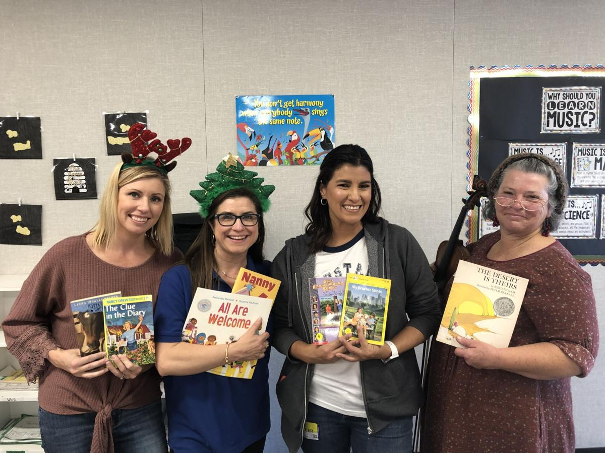 San Diego Oasis Spreads Holiday Cheer