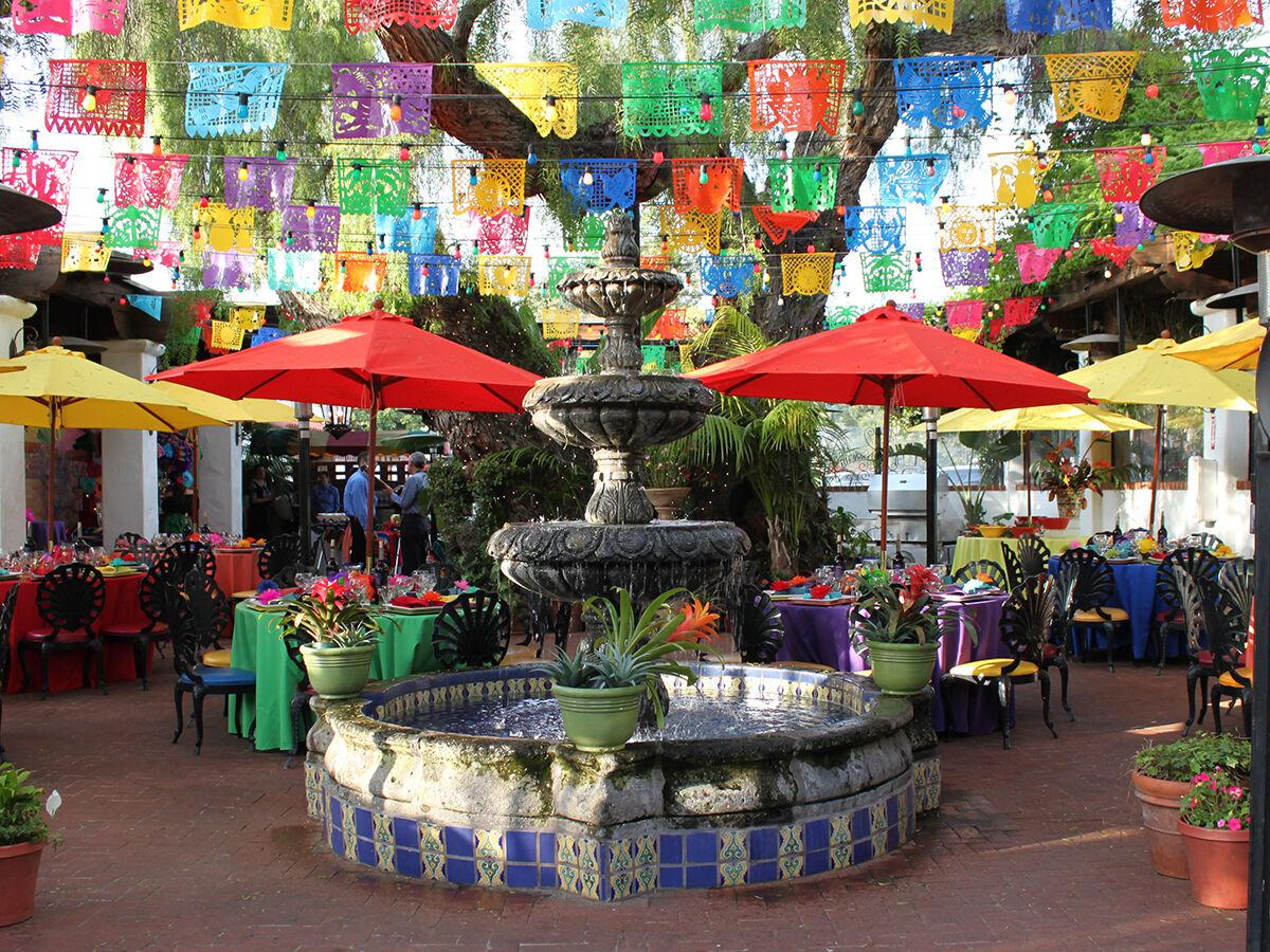 Outdoor dining in San Diego, CA
