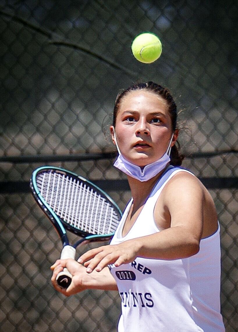 061021_Tennis01-rgb.jpg
