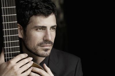 Building castles outside Spain: guitarist Pablo Sáinz Villegas