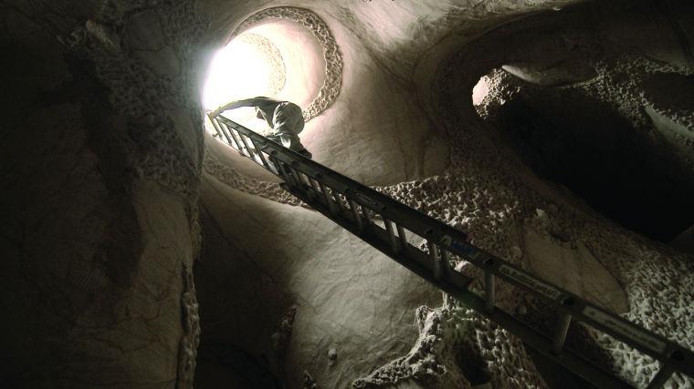 Art cave in Embudo
