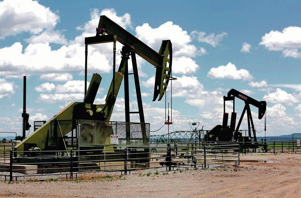 Neighboring states a world apart on methane regulations