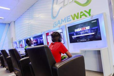 Video games latest way to spend airport layover