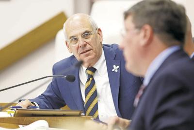 Mayor: Santa Fe won't be hosting migrants