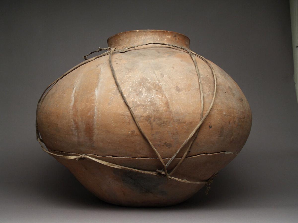 Native Arts: pottery