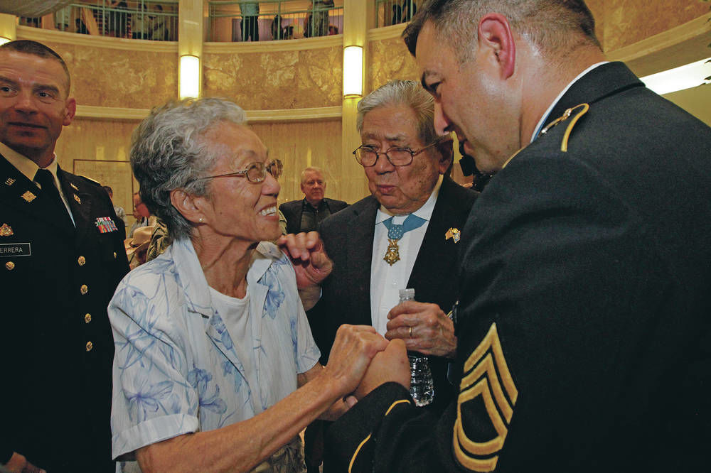 New Mexico Medal of Honor recipient to help lead New York's Veterans Day Parade