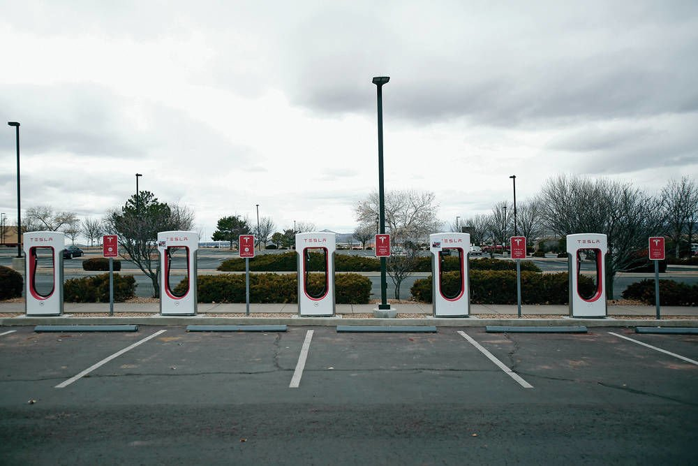'Tesla bill' would allow electric carmakers to sell in N.M.
