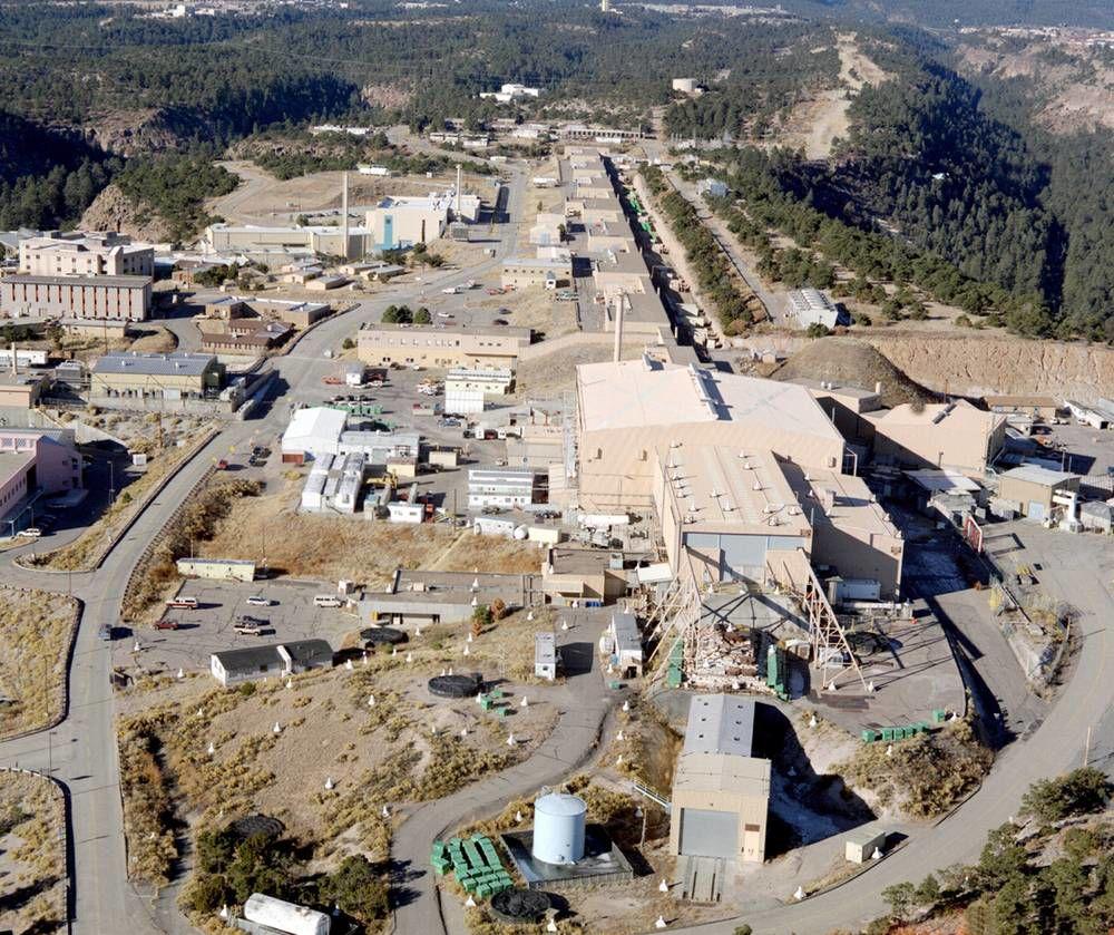 Top bidders to run Los Alamos National Laboratory have