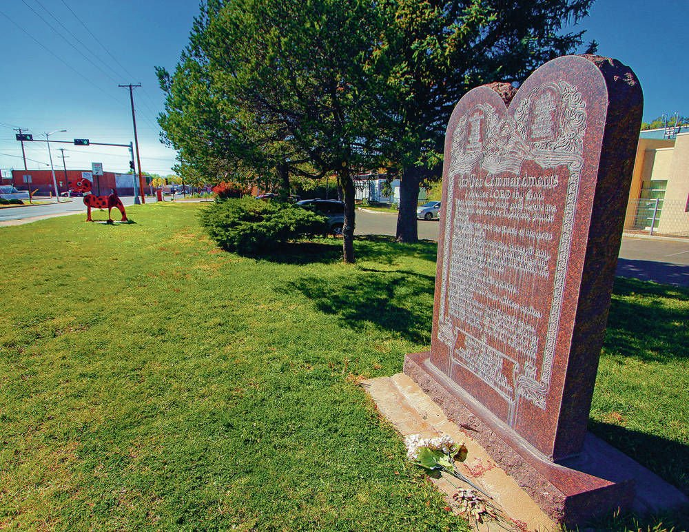 Group calls on city to remove Ten Commandments monument