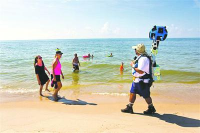 Google Maps Camera-toting teams map Florida beaches | Travel ...