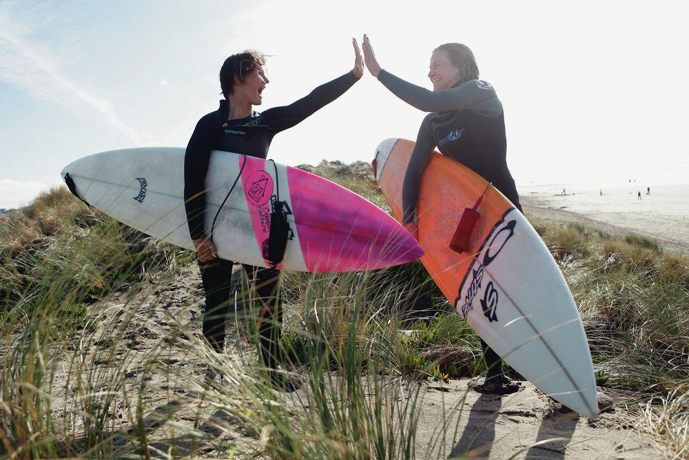 04fd80e51c6e0f Women want spot in big wave surf competition in California
