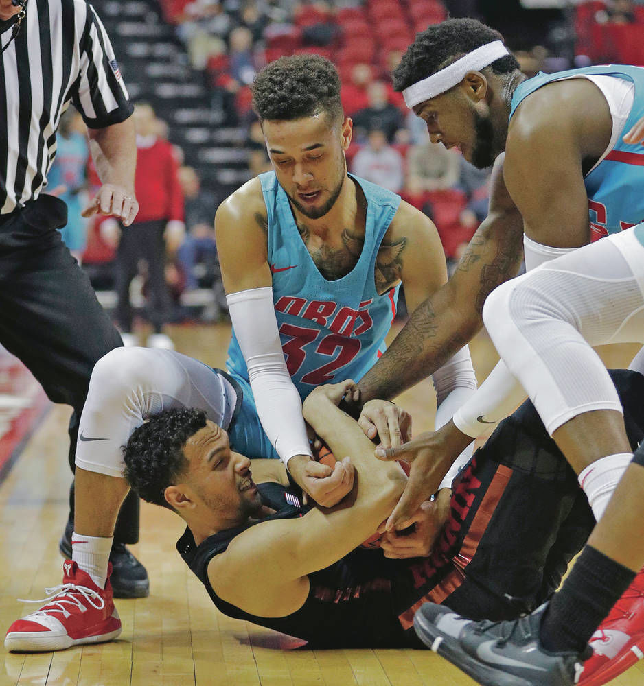 Rested Lobos visiting Fresno State