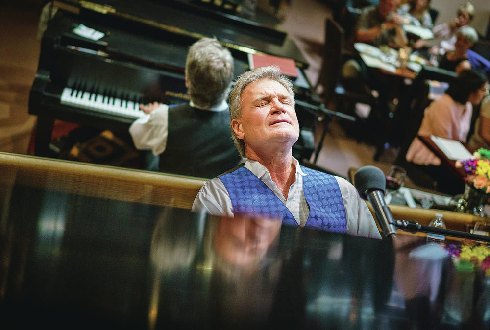 Piano man still playing at Vanessie after 35 years