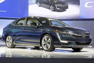 Hydrogen fuel cell cars face obstacle: Few fueling stations   News