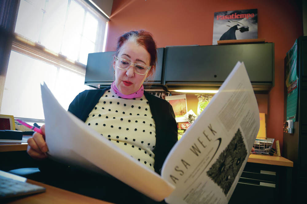 'Pasatiempo' editor who embraced cool, weird and opera is leaving post after 17 years