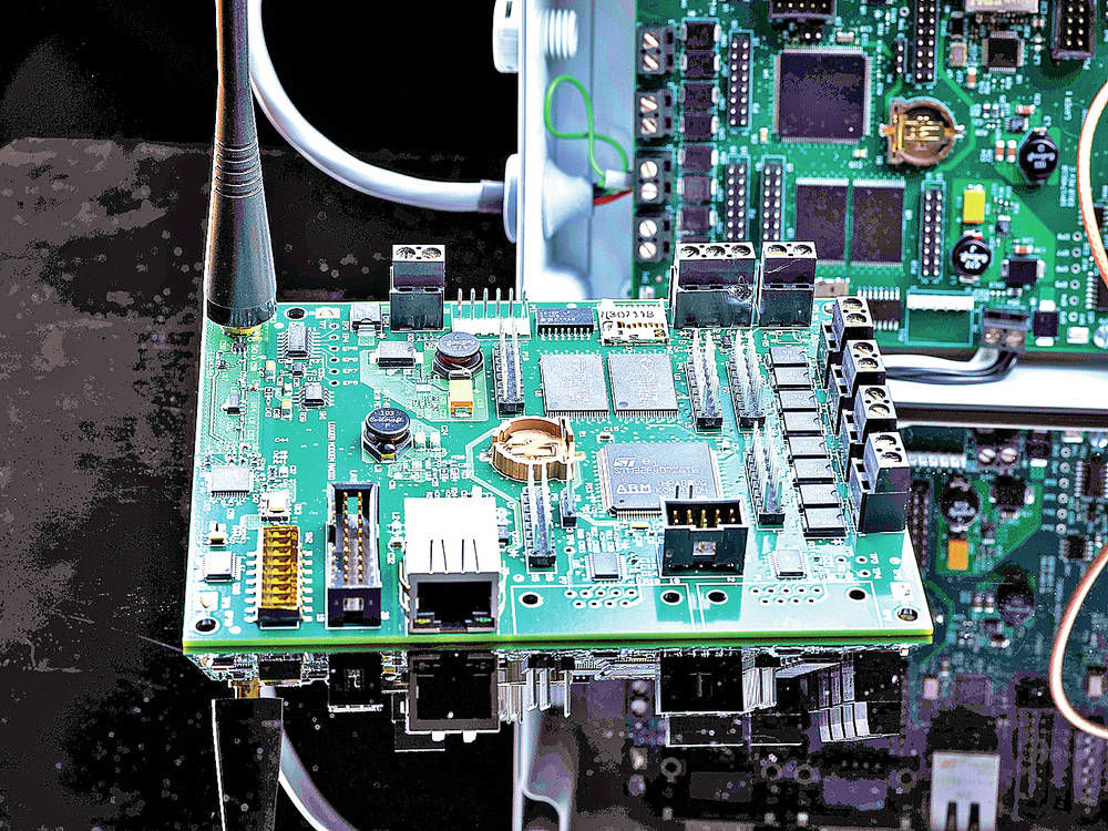 LRWSN-hardware: The Long-range Wireless Sensor Network hardware.