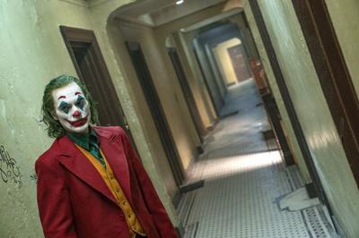 04 oct movie rev joker 1