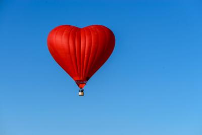 Send your love to the sky: Friends and Lovers Balloon Rally