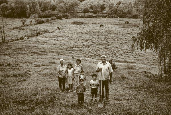 ModestoandFamily,Chimayo.jpg
