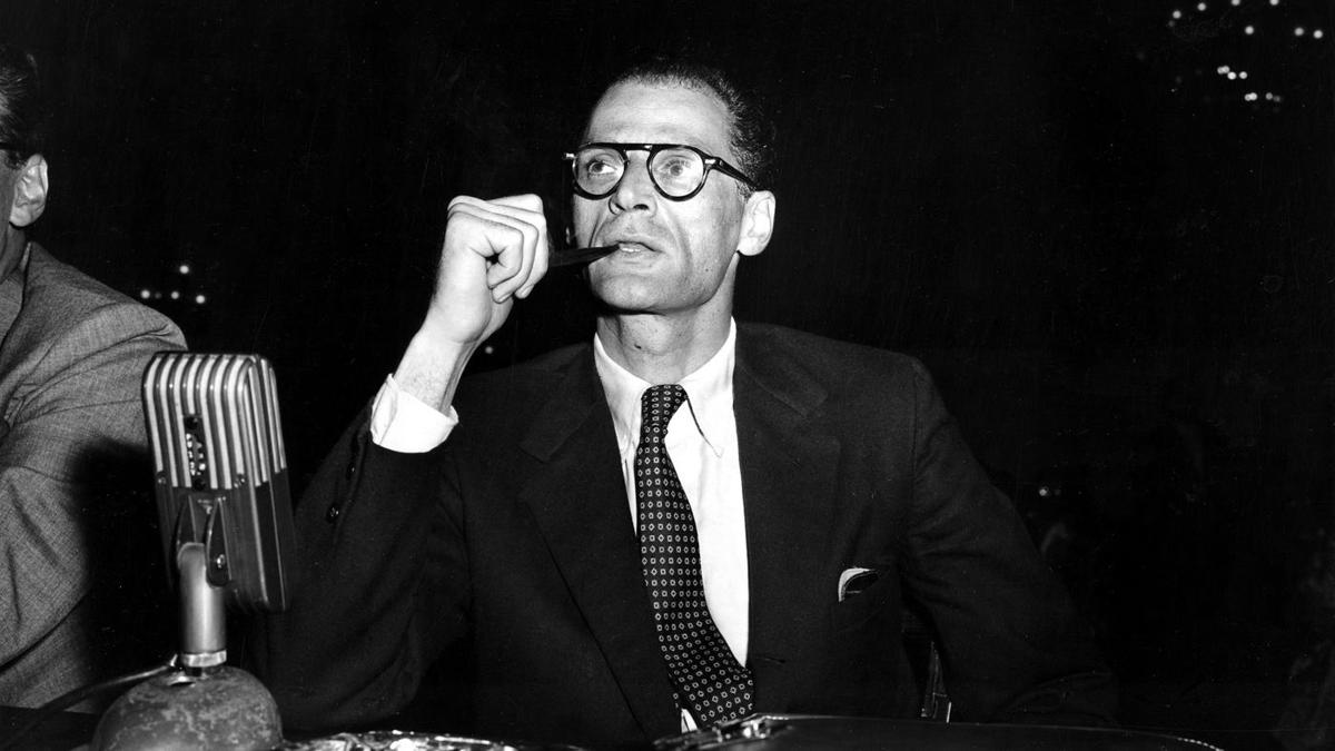 Arthur Miller prior to testifying at a hearing before the House Un-American  Activities Committee, Washington, D.C., June 21, 1956, AP photo