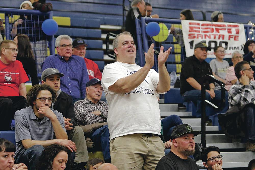 Santa Fe High 'Superfan' loudly cheers on Demons basketball team