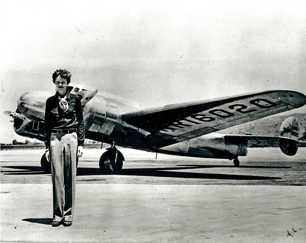 New clue sparks search for Earhart's plane