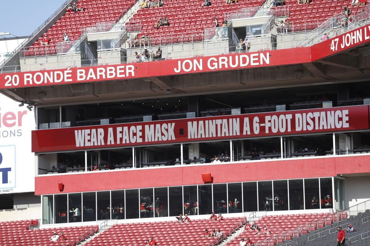 Super Bowl Tampa Masks Football