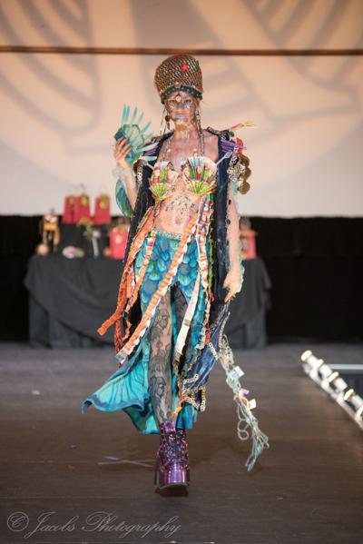 15 nov RA fashion recycled art
