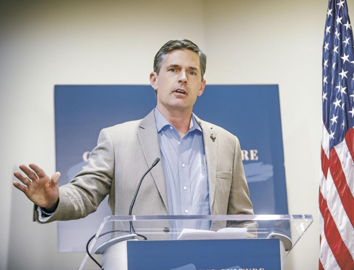 Heinrich, in Santa Fe, slams president amid impeachment inquiry