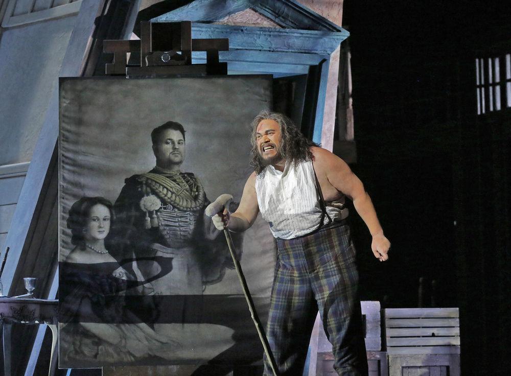 Opera review: A dark and stormy night at Santa Fe Opera's Rigoletto