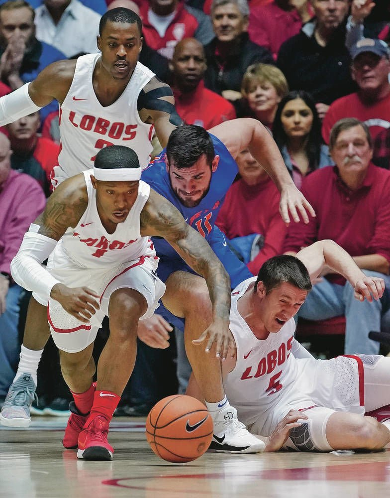 Tough loss, rough finish as Lobos fall to Boise State