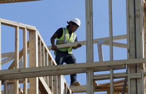 U.S. economy grew at solid 2.6 percent rate in fourth quarter