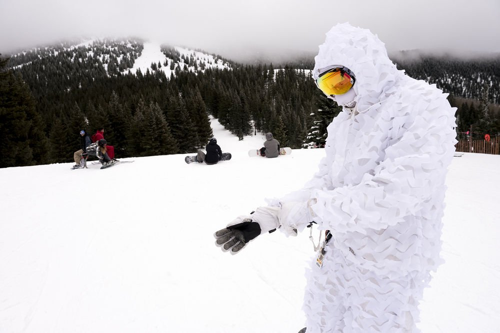 Slopes draw crowds on opening day, but ridership on new bus 'disappointing'