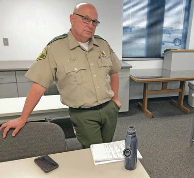 In rural Iowa feud, sheriff won't honor small town's arrests