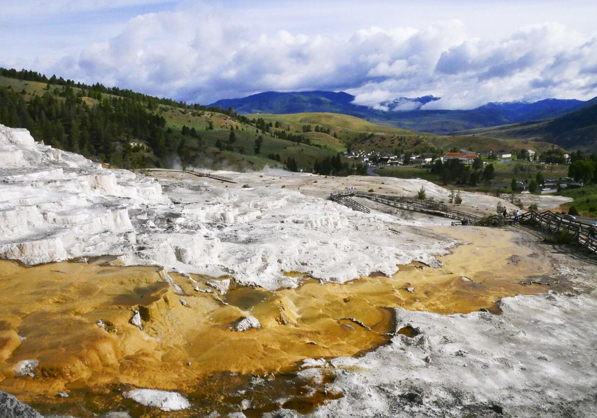 Parks_Yellowstone1_RGB.jpg
