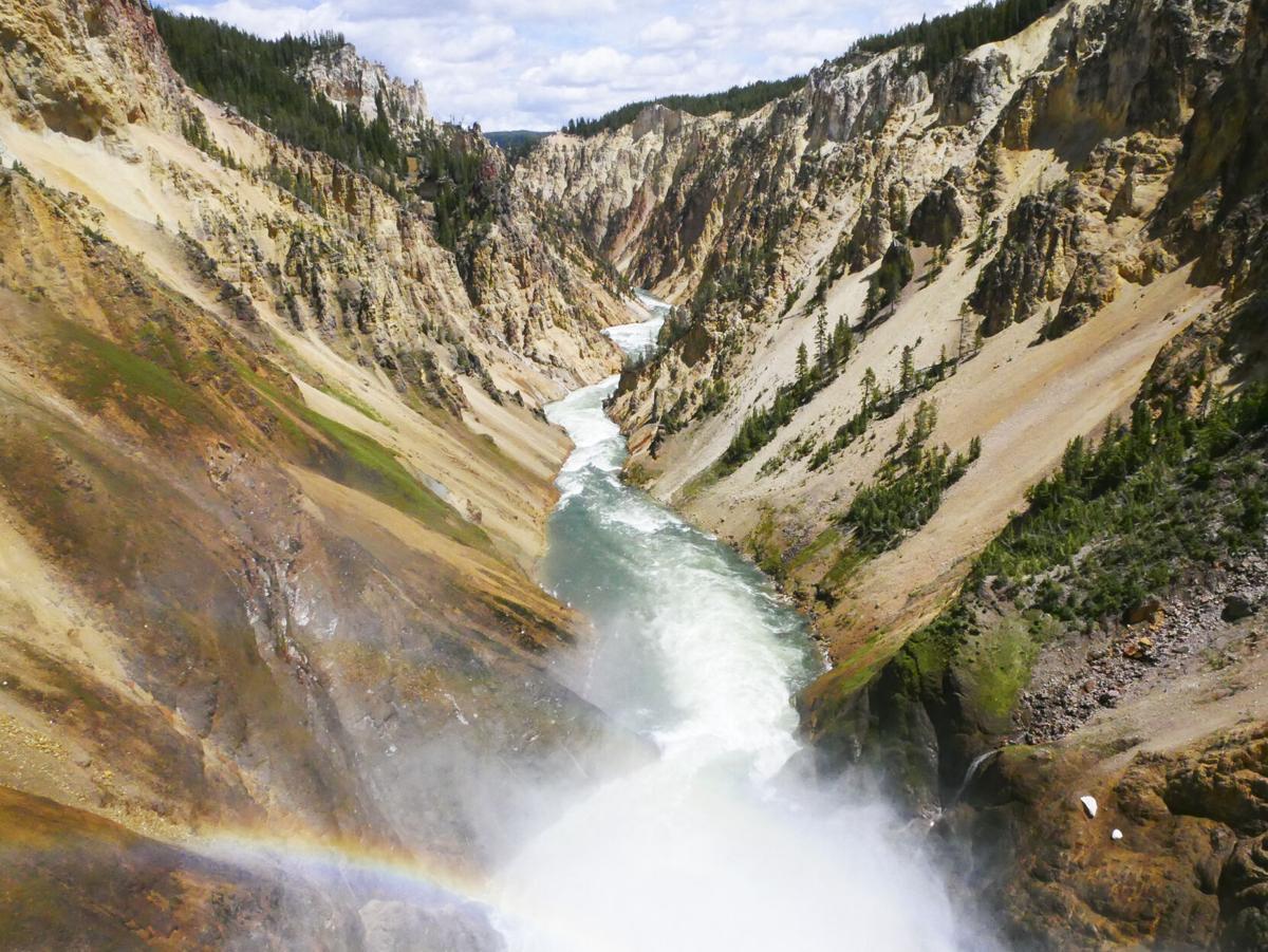 Parks_Yellowstone2_RGB.jpg