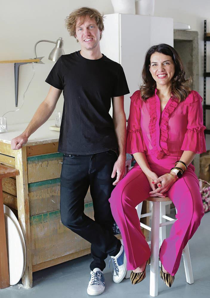 Entrepreneur wins bizMix top prize for memorial stone startup