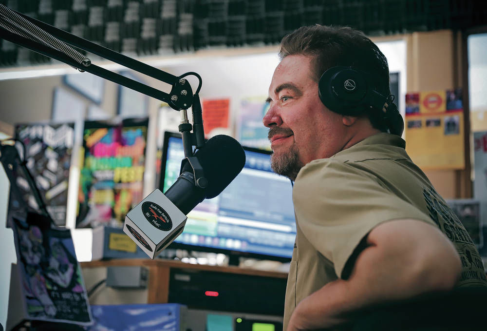 Rock DJ makes way for a new voice in Santa Fe