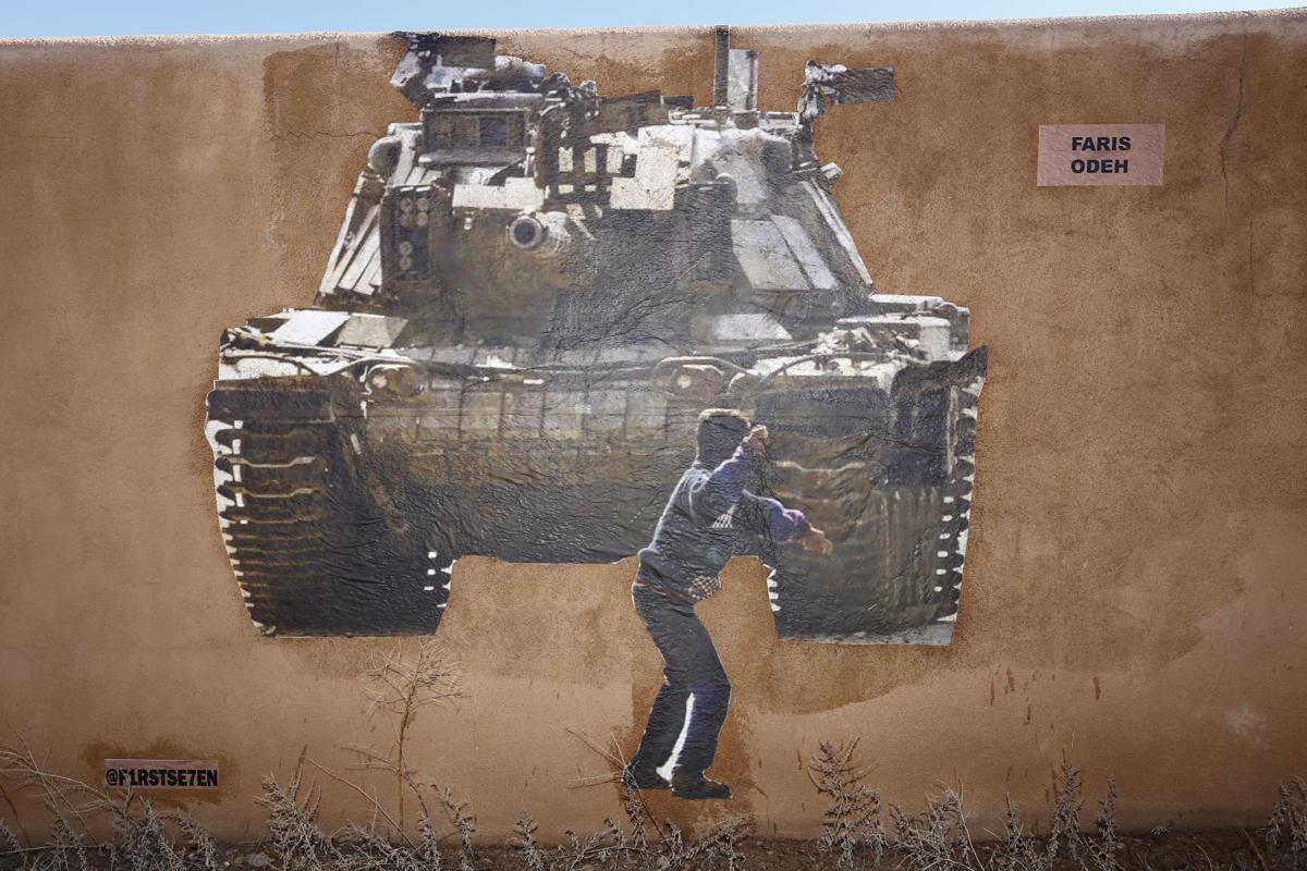 010720-sfnm-nws-grafitti-02