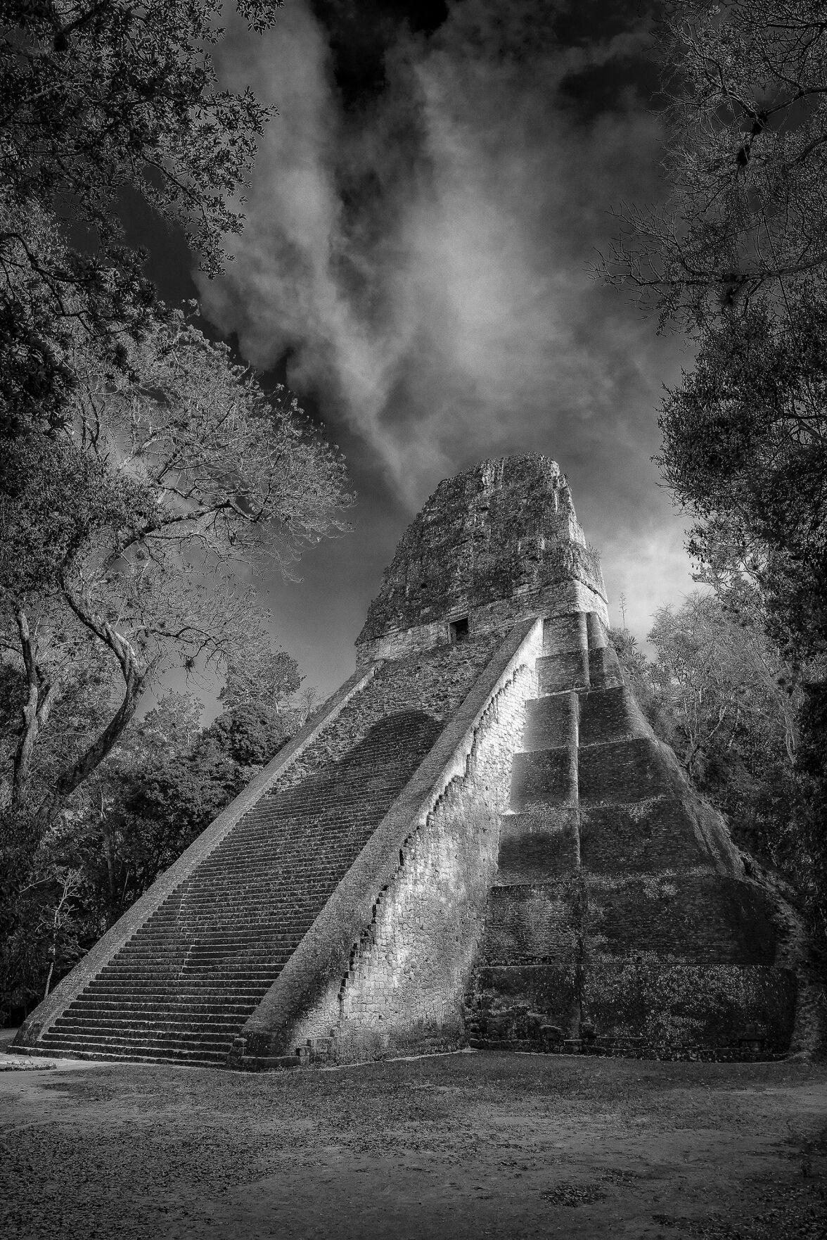 Frej tikal temple guatemala