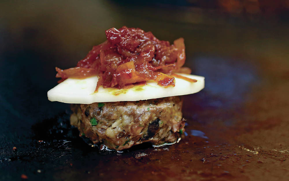 Building A Better Blended Burger Taste The Santa Fe Dining Scene Santafenewmexican Com