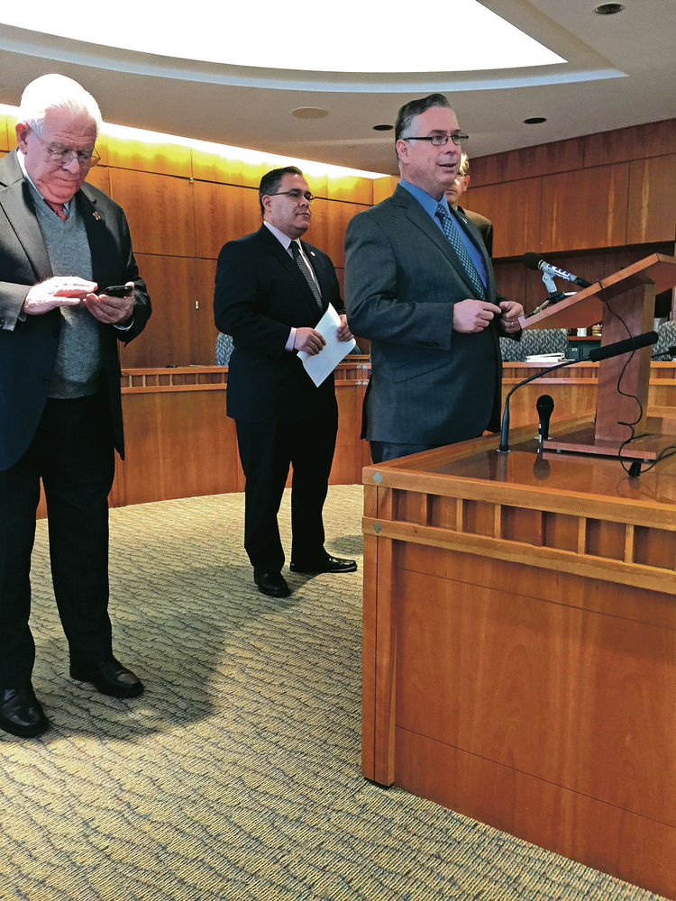 Lawmakers near compromise on license bill, but sticking point remains: Fingerprints
