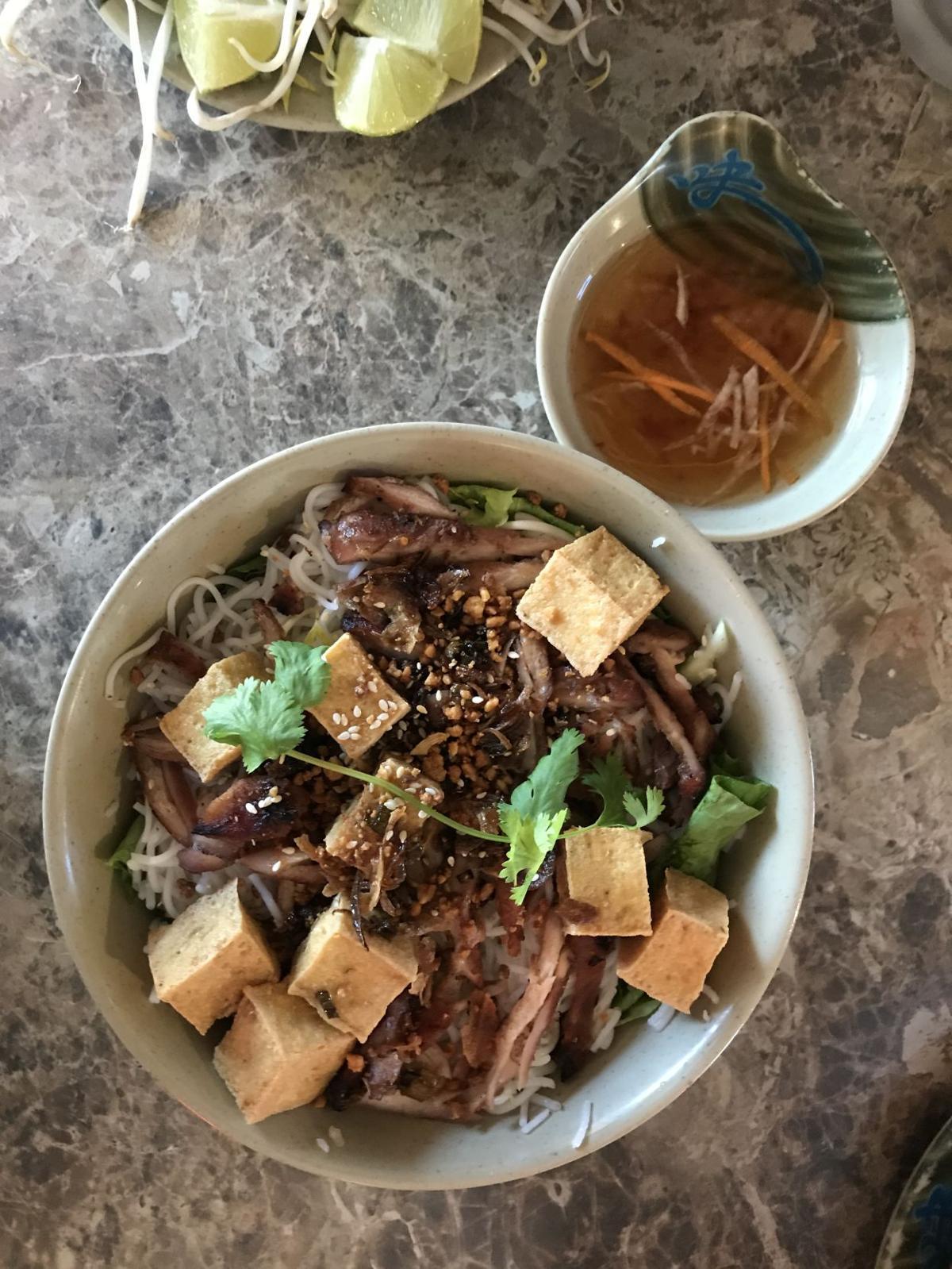 11 Amuse-bouche Saigon Café 4