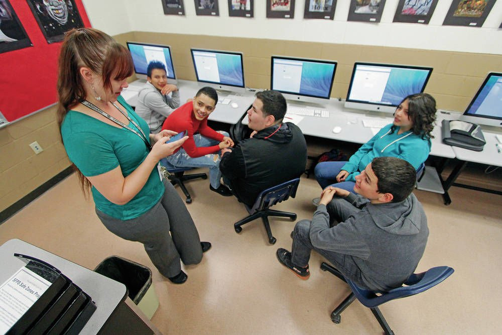 N.M. governor scraps student PARCC testing, teacher evaluation system