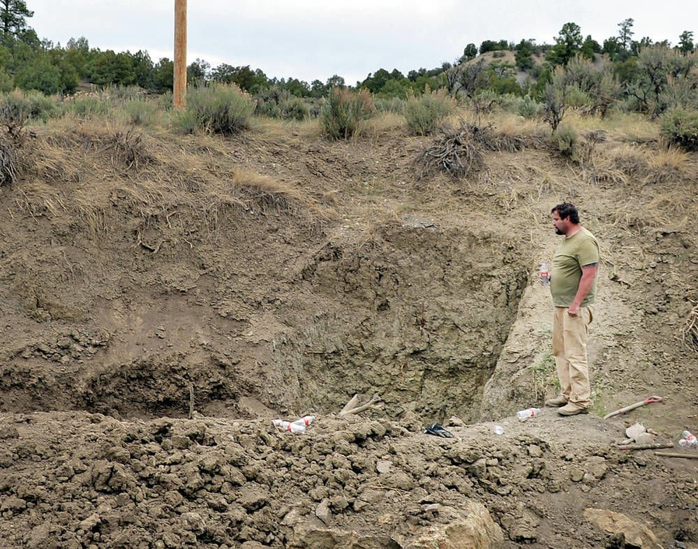 Treasure seeker digs himself into hole in New Mexico