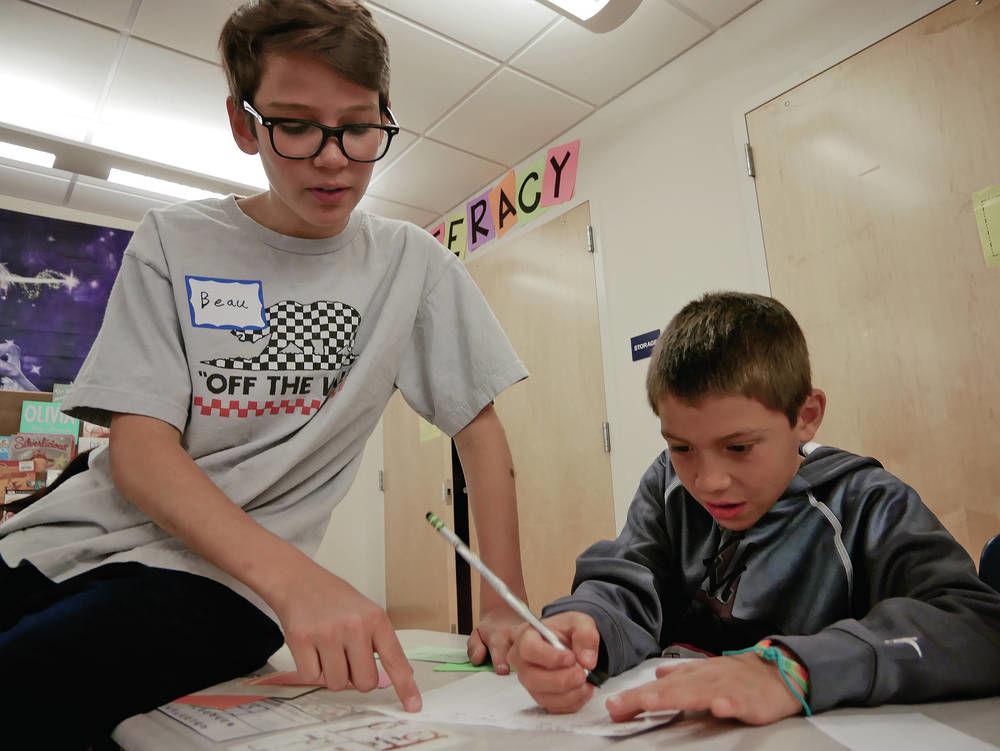 Touting rewards of teaching in New Mexico